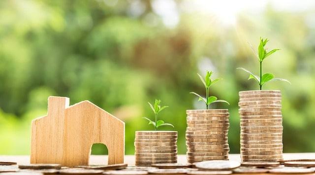 Bostadsmarknaden svajar – då lönar det sig att hyra ut istället för att sälja