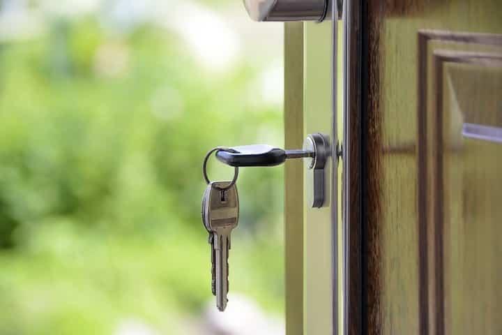 Så undviker du förskottsbedrägerier när du ska hyra bostad